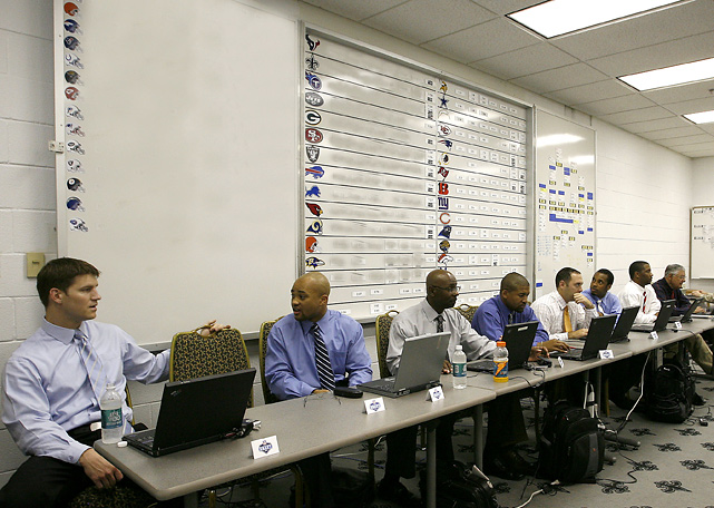 New Orleans Saints scouts await the start of the 2006 NFL Draft, where they would take Reggie Bush with the second overall pick.