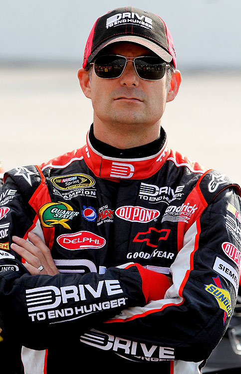 Points Standing: 14  Wins: 1   Top 10s: 3   Top 5s: 3   2011 Season:  Jeff Gordon ended his 66-race drought with a victory at Phoenix, but has struggled to get back to the winner's circle again. If he's to make the Chase, he might need one more win.