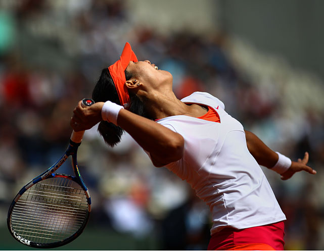 Li of China serves during her third-round match with Sorana Cirstea of Romania. Li won 6-2, 6-2.