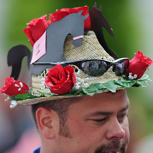 Picturesque hats were out in full force, though headgear and sunglasses weren't needed with cloudy skies.