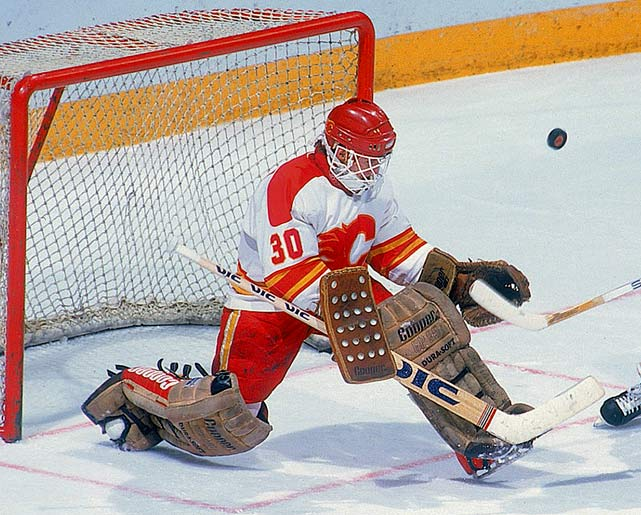 The rookie netminder, a second-round (56th overall) pick by Calgary in 1981, spent much of the 1985-86 season in the AHL and IHL (he appeared in 18 games for the Flames, going 9-3-3), but was given the starting role for the playoffs. He played very well (12-9, 2.93) while backstopping Calgary to its first appearance in the Stanley Cup Final. Alas, his opponent in the final was rookie Patrick Roy, who was busy building his own legend. Though the Flames went down in five games, Vernon had launched a long, topflight career that lasted 18 seasons and included the Conn Smythe Trophy in 1997 while playing for Detroit.