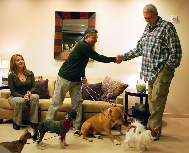 "Phil and girlfriend/Lakers vice president Jeanie Buss had to have a puppy intervention with famed ""Dog Whisperer"" Cesar Millan."