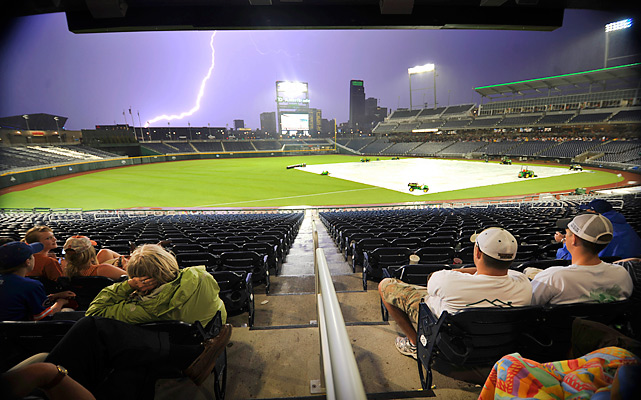 Florida finished off a victory over Vanderbilt on Tuesday in the completion of a College World Series game suspended because of inclement weather. Florida (52-17) beat its Southeastern Conference rival for the fourth time in five meetings this season and is now in control of Bracket 2.