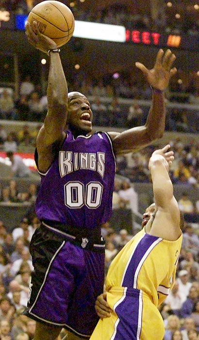 Sacramento had one of the NBA's top second units from 1999 to 2003, and the group played a role in one of the best runs in franchise history. The Bench Mob, which included Tony Delk, Tyrone Corbin, Bobby Jackson (Sixth Man of the Year in 2003), Scot Pollard and Jon Barry, among others, helped Sacramento to a league-best record and the Western Conference Finals in 2001-02.