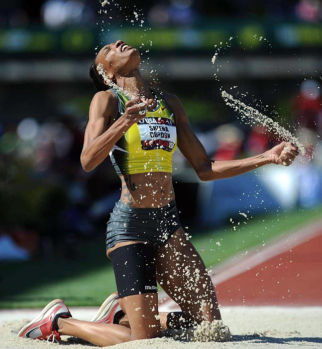 Sheena Gordon went 13.67 meters in the triple jump at the Outdoor Track and Field Championship. She finished fourth as Amanda Smock won with a leap of 14.07 meters.
