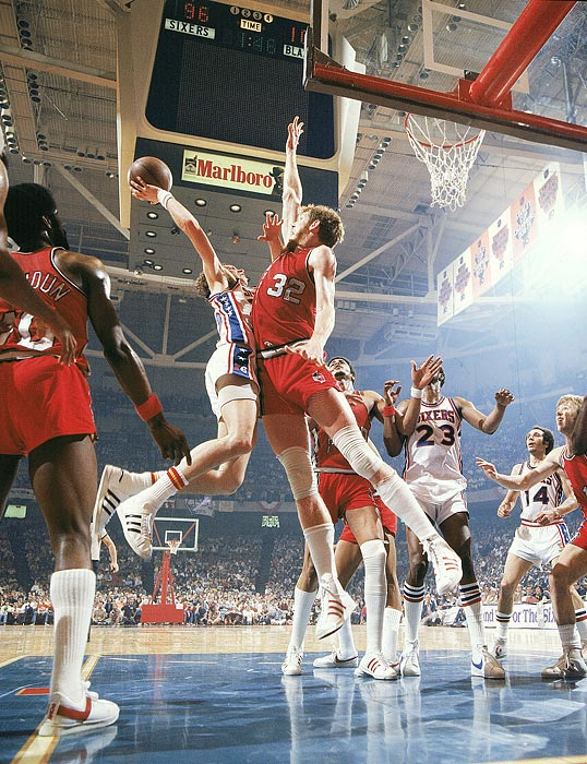 The 1977 Portland Trail Blazers were the ultimate Cinderella story. Few people predicted them to go anywhere before the season started, and even when they defied expectations to get to the Finals, few picked them to defeat the Philadelphia 76ers. Led by Walton, who averaged 18.5 points, 19 rebounds, 5.1 assists and 3.6 blocks, the Trail Blazers finished off their magical run with a 4-2 series victory.