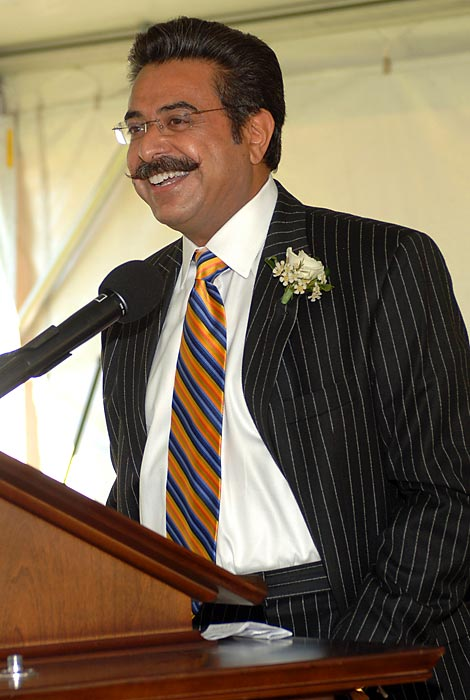 With the Jacksonville Jaguars announcing that Shahid Khan is purchasing the team from Wayne Weaver, SI.com takes a look at each of the NFL owners.