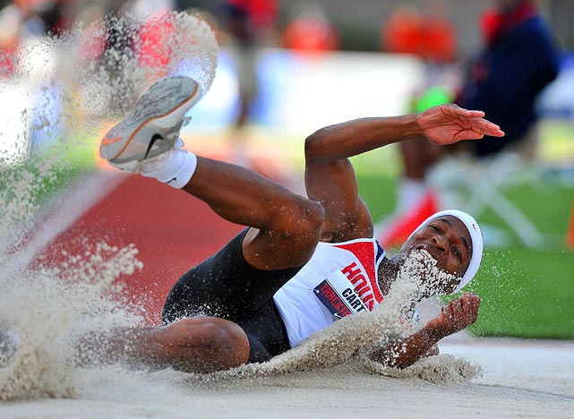 Although Chris Carter did not qualify for the IAAF world championships, his fourth-place triple-jump performance was the second best in University of Houston's history.
