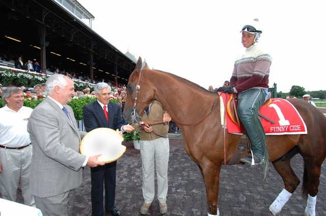 2003 Kentucky Derby and Preakness Stakes winner Funny Cide chowed down on a granola cake. What? Horses gotta eat too.