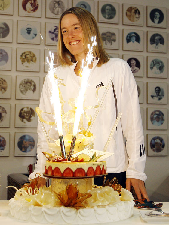 This is how tennis player Justine Henin celebrated her 25th birthday during the 2007 French Open.
