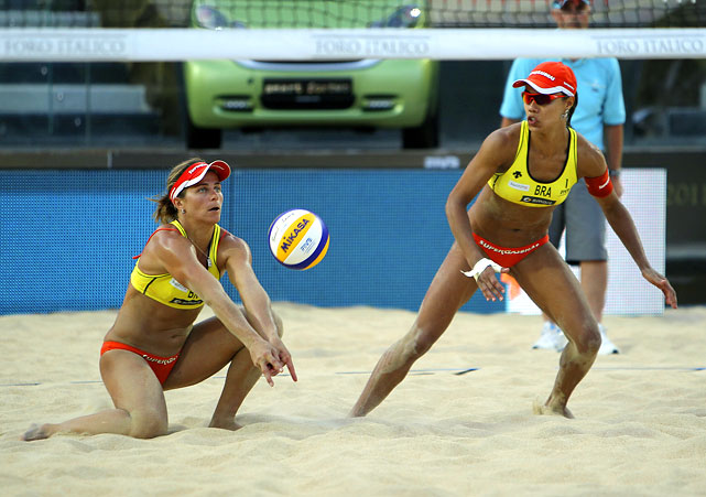 If anyone is to beat the seemingly unstoppable team of Walsh and  May-Treanor, it's Larissa and Juliana. The Brazilians are coming off a gold-medal performance in the 2011 World Championships that saw them defeat the American tandem 2-1 in the finals.