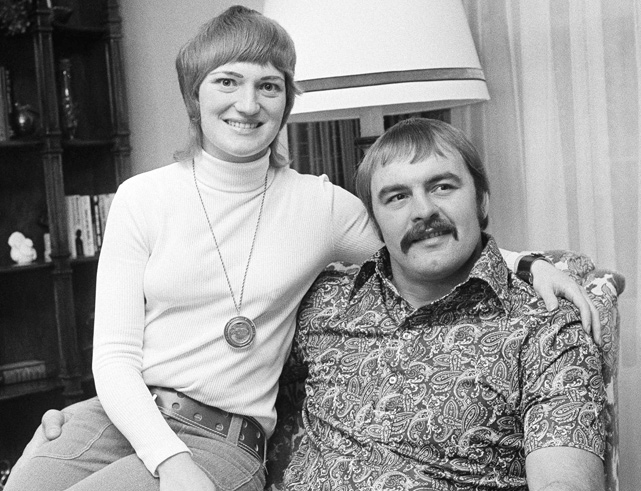 Dick and Helen Butkus pose at their home in Chicago. The couple, who have been married since 1963, have a daughter and two sons.