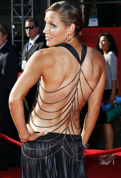 Sprinter Lolo Jones proves that backs can be sexy in this backless outfit at the 2011 ESPYs.