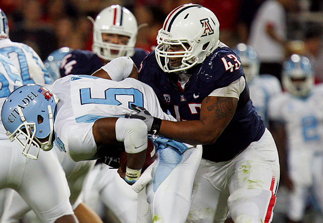 Though slightly undersized (6-2, 280 pounds) for a nosetackle, Washington finished 2010 with 46 tackles (111/2 for loss), six sacks and a blocked kick.
