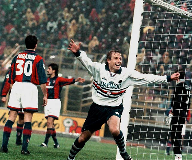 Klinsmann played briefly for the Italian team Sampdoria, before leaving the team to return to Tottenham Hotspur, where he first played from 1994 to 1995.