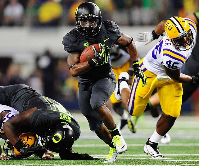 Last week:  18 rushes for 54 yards and one TD; six receptions for 61 yards in 40-27 loss to No. 4 LSU.  Is it harsh to put him 10th? Maybe. One game can't kill a campaign, but it may take a while to make up for this one. Playing against what is likely the best defense he'll see all season, James failed to live up to the moment. It was just the third time in the 19 regular-season games he was held under 100 yards, but considering the last time we saw James he was limited to 54 yards by Auburn, that makes two spotlight games in which he's faltered. He's had his mulligan and needs to get back on track this weekend.   Next up:  Saturday vs. Nevada
