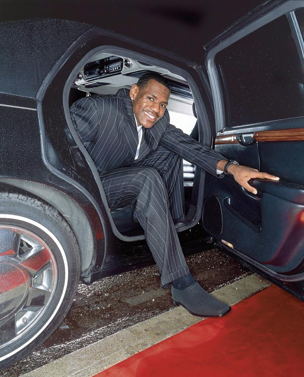 LeBron steps out of a limo to show he's big-timer at 17 years old.