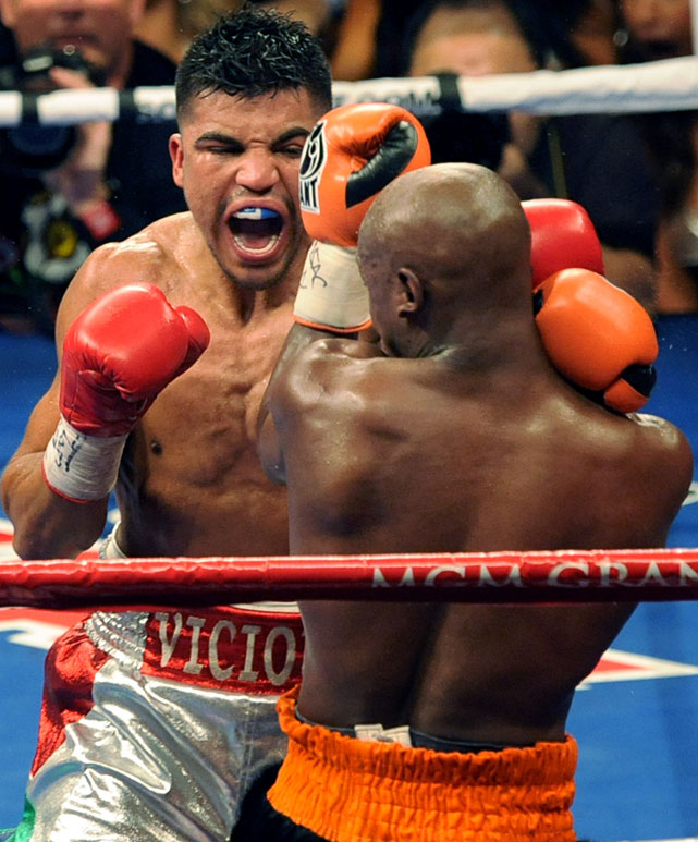 What brief success Victor Ortiz came in the fourth round, when he connected with a string of power punches.