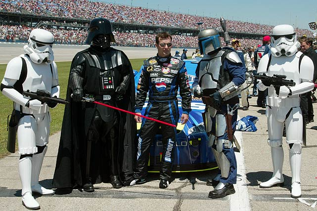 Jeff Gordon poses with Darth Vader, Jango Fett, and two stormtroopers prior to the Aaron's 499 at Talladega Superspeedway on May 1, 2005 in Alabama.