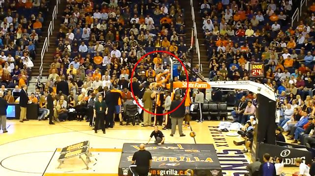 A Phoenix Suns halftime performer went all in.