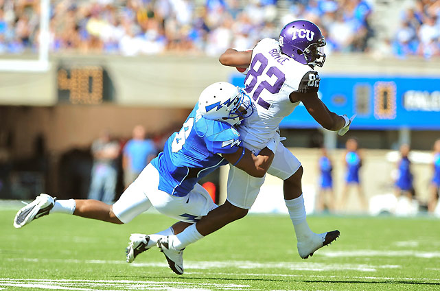 TCU's BCS hopes took a potentially lethal blow with an opening-week loss to Baylor, but the Horned Frogs aren't going to mail it in. They won their final Mountain West contest against Air Force -- and 18th consecutive league game -- despite playing without star running back Ed Wesley (shoulder) and top tackler Tanner Brock (foot).