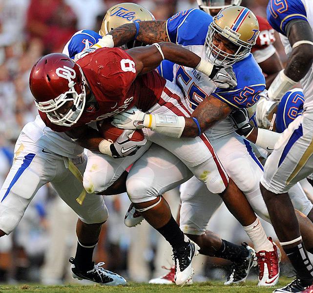 Landry Jones re-established his connection with All-American receiver Ryan Broyles and Dominique Whaley (left) ran for four scores in his debut as the Sooners extended the nation's longest home winning streak with their 37th straight win on Owen Field. Jones threw for 375 yards, Broyles came up just shy of his own school receptions record with 14 for 158 yards. Whaley finished with 131 yards on 18 carries.