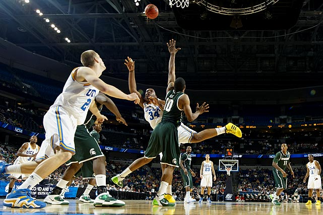 As a freshman last season, Smith had the best offensive rebounding percentage of anyone not named Kenneth Faried, and the Seattle-area giant is primed for a monster sophomore year. Nelson is an extensively tattooed, double-double machine who should contend for Pac-10 Player of the Year honors.
