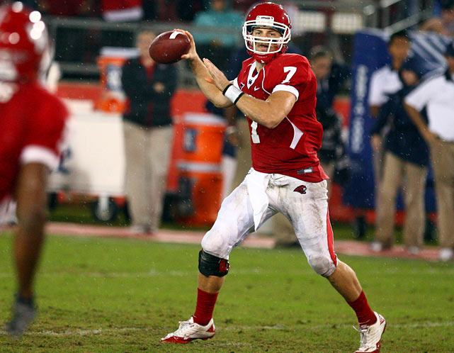 Last week:  24-of-37 passing for 534 yards, nine TDs and one INT in 73-34 win over Rice.   Season (eight games):  218-of-303 passing for 3,219 yards, 32 TDs and three INTs; 30 rushes for 25 yards.  They came from 57 and 21 yards, 64, 18 and 41, too. There was another from 20, a 37, a 22 and a 47, giving Keenum nine TD passes as he broke Harrell's record and then left it far in his rearview mirror. However, it wasn't the most prolific in Cougars history as Keenum tied David Klingler, who threw nine TDs in a game in 1991 and who holds the FBS mark of 11. As for Keenum's next run at history, it's a strong bet he passes Chang on the yardage list this week as Houston faces 1-7 UAB.   Next up:  Saturday at UAB