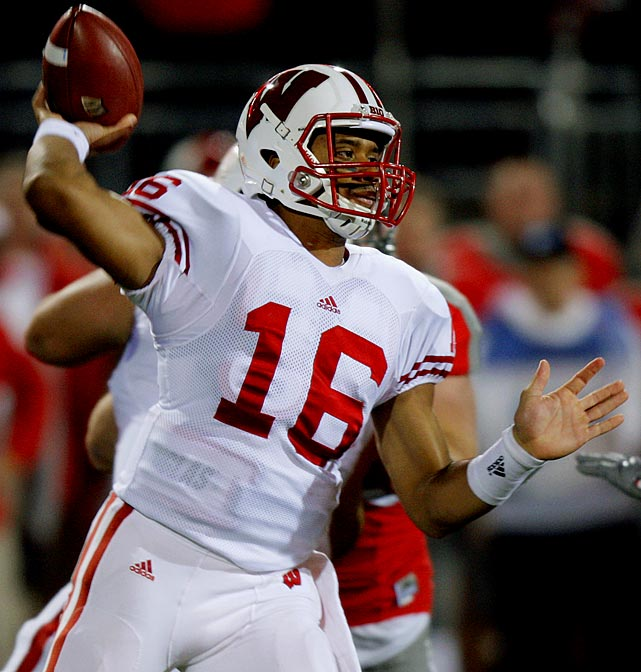 Last week:  20-of-32 passing for 253 yards and three TDs in 33-29 loss to Ohio State.   Season (eight games):  129-of-181 passing for 2,033 yards, 19 TDs and three INTs; 38 rushes for 200 yards and three TDs; one reception for 25 yards and one TD.  For the second straight week, Wilson pulled off some late-game heroics and for the second straight week he could only watch as the opposing quarterback one-upped him with a game-winning score in the closing seconds. Against Ohio State, Wilson completed a season-low 62.5 percent of his passes, but it's hard to fault him for this one as the senior had his fourth three-TD day and moved within two TD passes of John Stocco's Badgers mark of 21 set in '05. But another loss dropped Wisconsin further back in the Big Ten race, and it delivered another blow to Russellmania.   Next up:  Saturday vs. Purdue