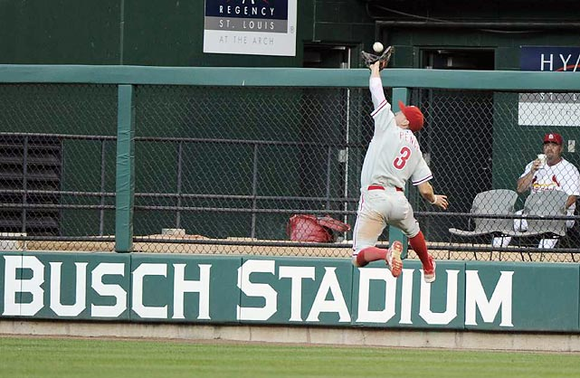 Hunter Pence makes a spectacular catch for the Phillies in Game 4 of a divisional series that the St. Louis Cardinals won in five games.