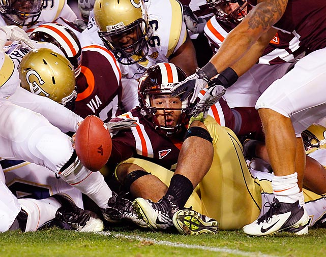 Virgina Tech's Logan Thomas (3) comes up just short of the goal line on third down against Georgia Tech. The Hokies beat the Yellow Jackets 37-26.