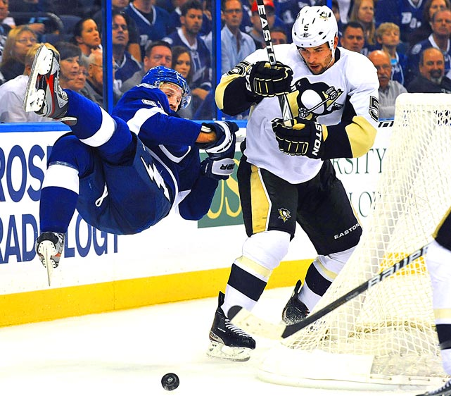Lightning center Steven Stamkos gets tripped up behind the net against the Pittsburgh Penguins. Tampa Bay picked up a 4-1 win at home.