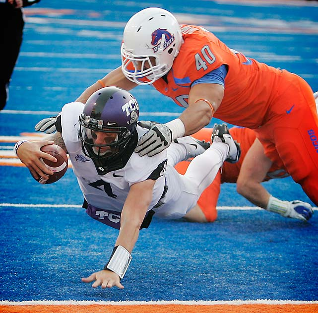 For the second year in a row, Boise State's BCS championship dreams have been foiled by a missed field goal. This was a back-and-forth game all day, and TCU moved within one in the closing minutes, then went ahead on a successful two-point conversion. Kellen Moore drove the Broncos down the field in the final minute with the aid of two key penalties, but Boise's 39-yard field goal attempt was pushed wide right. This was Chris Petersen's first home loss as Boise coach.
