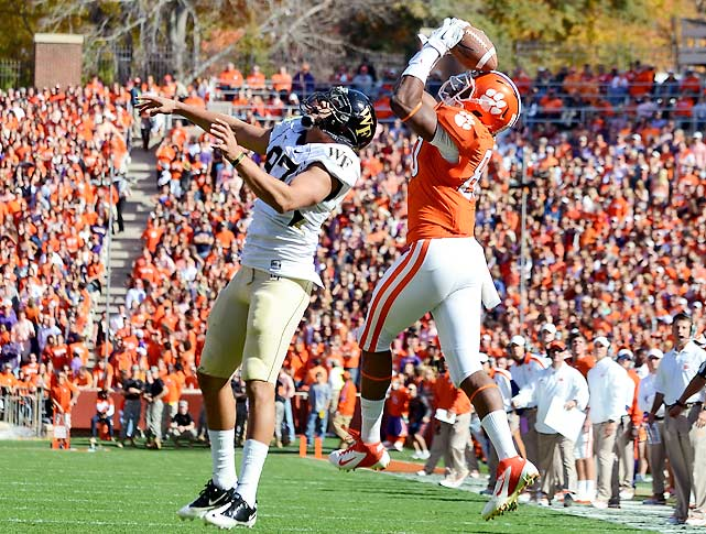 Clemson trailed 28-14 midway through the third quarter, but the Tigers mounted an impressive comeback, winning on a 43-yard field goal as time expired. Brandon Ford (pictured) helped close that gap with his late third-quarter touchdown, and the Tigers improved to 9-1 to remain atop the Atlantic Division.