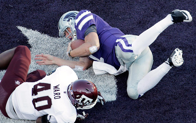 Kansas State stopped the bleeding, but it wasn't easy. After dropping two in a row to Oklahoma and Oklahoma State, the Wildcats survived the Aggies in overtime. Texas A&M led off the fourth extra frame with a field goal, but Kansas State got a one-yard touchdown run from Collin Klein (pictured) to secure the victory.