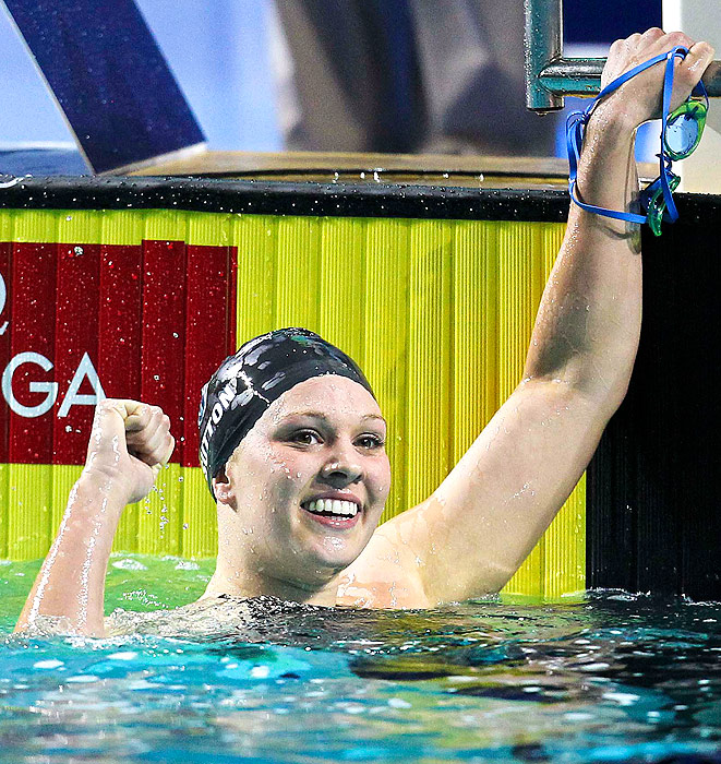 Distance swimmer Chloe Sutton won the 400m freestyle over fellow American Katie Hoff (2nd) and Denmark's Lotte Friis (3rd). Sutton grabbed silver in the 800m freestyle, behind Friis.