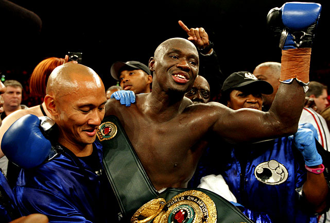 Tarver's career appeared to be over after he followed up back-to-back losses to Chad Dawson with an ill-advised move to heavyweight, where he won an uninspired decision over Nagy Aguilera. But Tarver dropped down to cruiserweight and in July, at 42, knocked out Danny Green in Australia. The win jump started Tarver's career and positioned him as a factor in the 200-pound division.