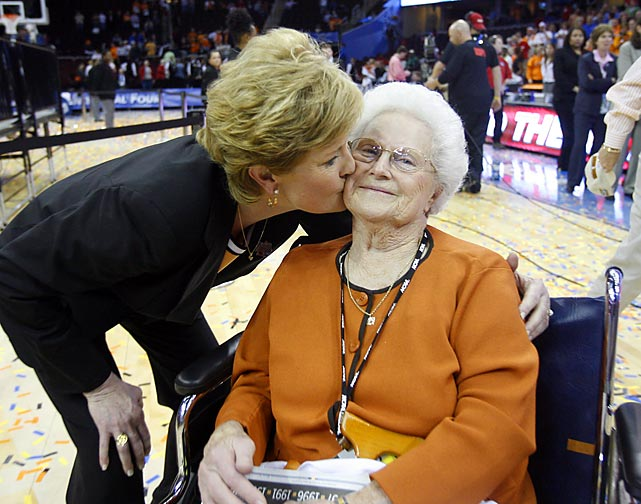 Pat Summitt's mother, Hazel Head, was on hand in April 2007 as the Lady Vols won their seventh national title with a 59-46 victory over Rutgers.