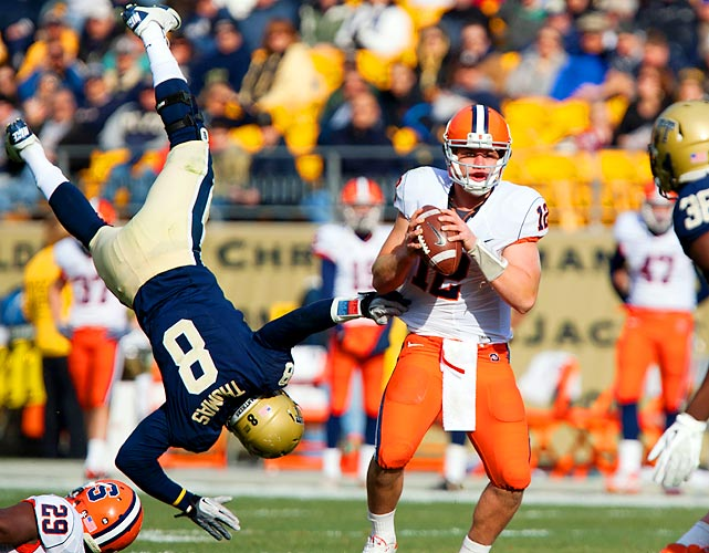 Pittsburgh linebacker Todd Thomas tries to block a Ryan Nassib pass with his feet during Pitt's 33-20 win over Syracuse.