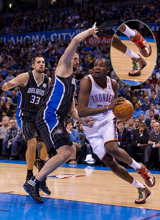 Kevin Durant, donning his new Nike KD4s with Christmas laces, scored 30 as the Thunder toppled the Magic, 97-89.