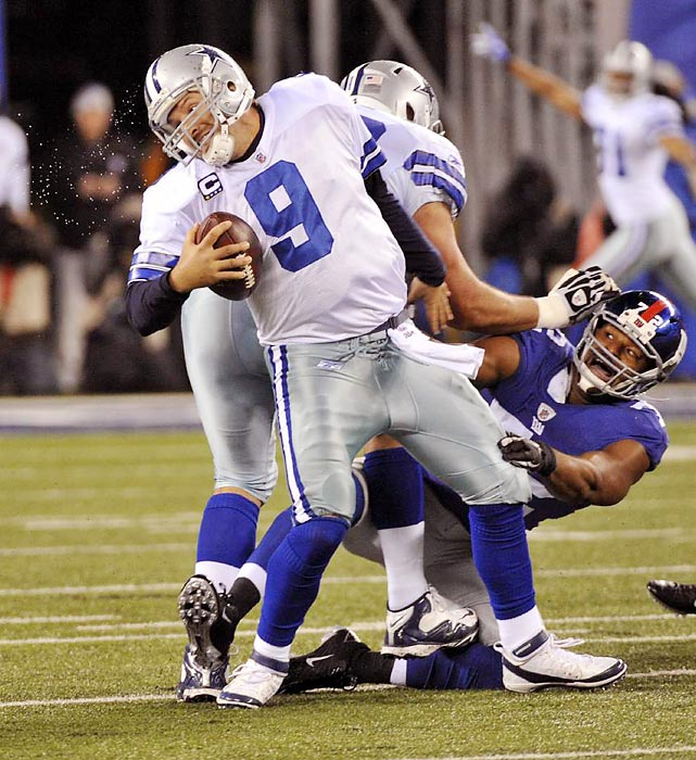 Returning to the Giants' lineup since being sidelined for four games by a high ankle sprain, defensive end Osi Umenyiora made his presence known to Cowboys quarterback Tony Romo.