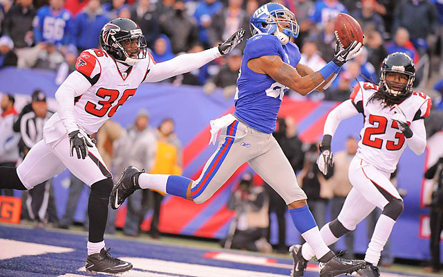 Mario Manningham's role dwindled with Victor Cruz's breakout this season, but the receiver reasserted himself with four catches for 68 yards, including this 27-yard fourth-quarter touchdown.