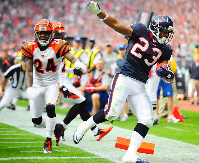 Arian Foster burned the Bengals on 24 carries, racking up 153 yards and two touchdowns as the Texans prevailed in the franchise's first playoff game.