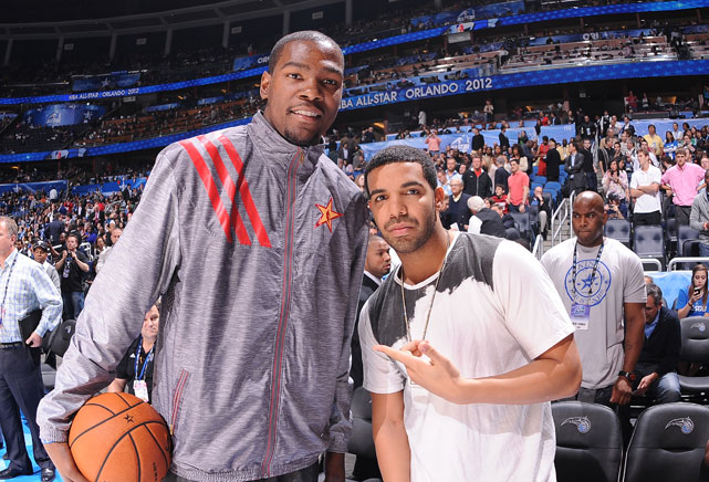 Kevin Durant mingled with rapper Drake before the All-Star Game.