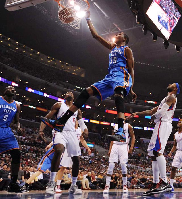 Thunder forward Kevin Durant dunks against the Clippers.