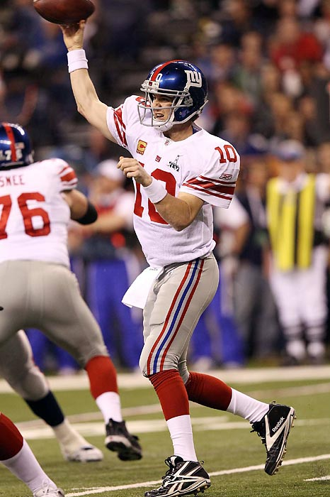 Eli Manning set an NFL record by completing his first nine passes to open the game.