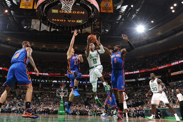 Rajon Rondo had 18 points, 20 assists and a career-high 17 rebounds in a 115-111 overtime win against the Knicks. It was Rondo's fourth triple-double of the season and the 17th of his career. The last player to record a triple-double with at least 17 in each category was Magic Johnson, who had 24 points, 17 assists and 17 rebounds on April 18, 1989. Even more impressive: The last player to exceed Rondo's numbers in each categon Feb. 2, 1968.ry was Wilt Chamberlain, who had 22 points, 25 boards and 21 assists o