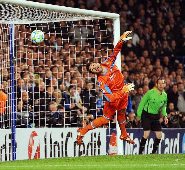 Napoli's Moran De Sanctis can only watch as Chelsea's John Terry scores a second goal.
