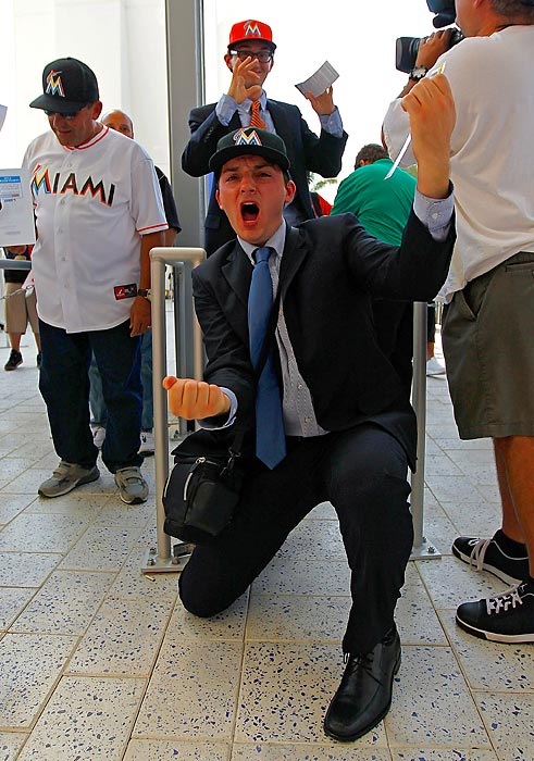 Miami fans caught the season-opening fever on April 4, when the Marlins and St. Louis Cardinals played in MLB's first 2012 game in the U.S. (The official season opener was a week earlier in Japan.)