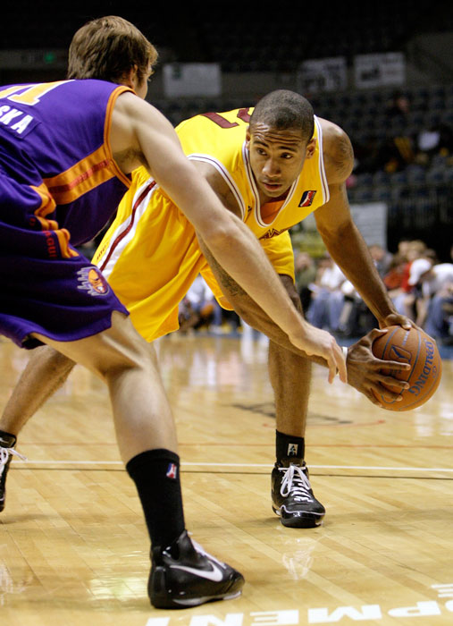 Now a reserve player for the Mavericks, Jones tore up the D-League in 2007-08, when he averaged 24.4 points in 10 games for the Fort Wayne Mad Ants.